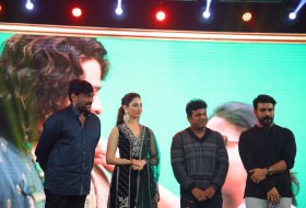 Sye-Raa-Movie-Press-Meet-in-Bangalore-08