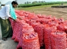 Onions Price today., Onion Farmers, farmers in tears as onion price crashes, Onion prices