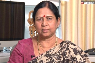 Galla Aruna Kumari has a shock for TDP