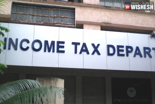 IT Raids On UP Bureaucrats On Charges Of Tax Evasion