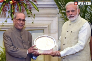 Pranab Shares A Letter Given By Modi On His Last Day As Prez
