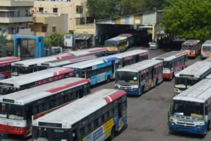Telangana High Court warns the government to initiate talks on TSRTC Row