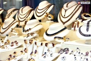 Tips to choose right jewellery for monsoon
